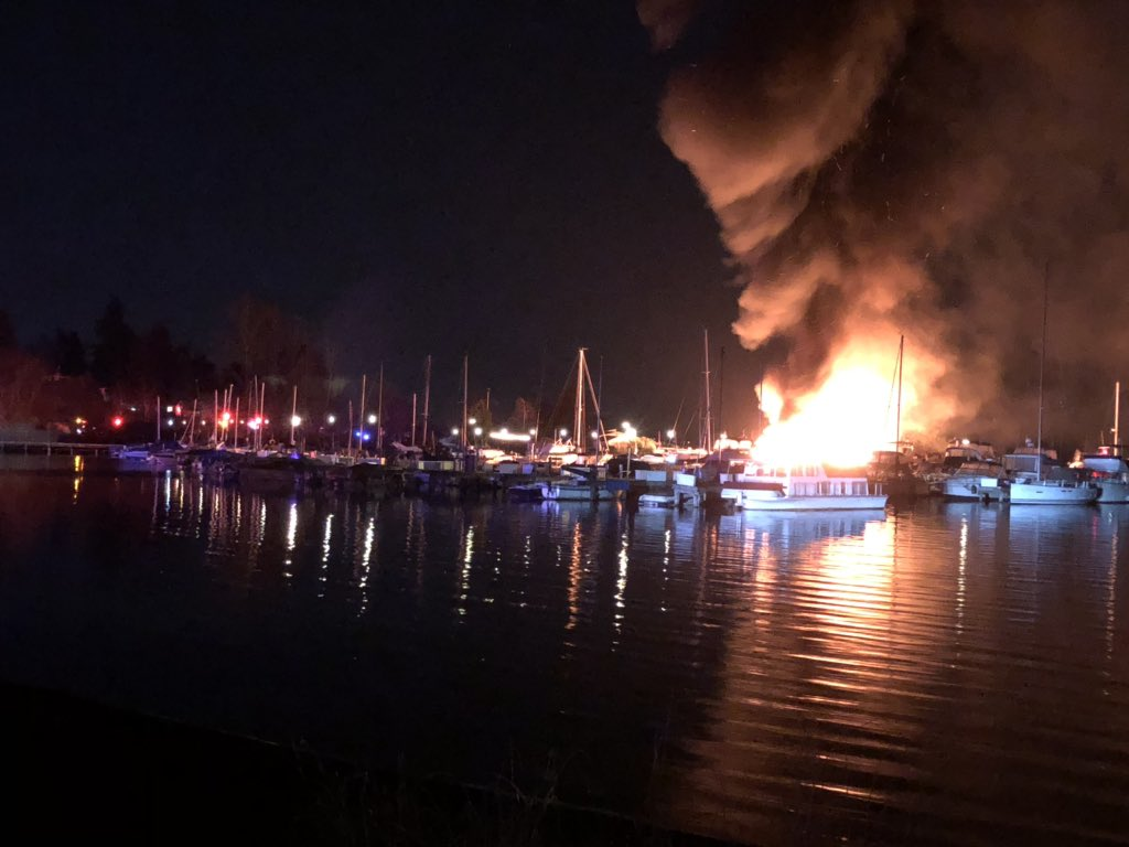 Multiple boats damaged in fire at marina on Lake Washington (Photo: Seattle Fire Department)