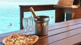 GALLERY | Love pizza? Love a tropical getaway? This shop has the best of both worlds