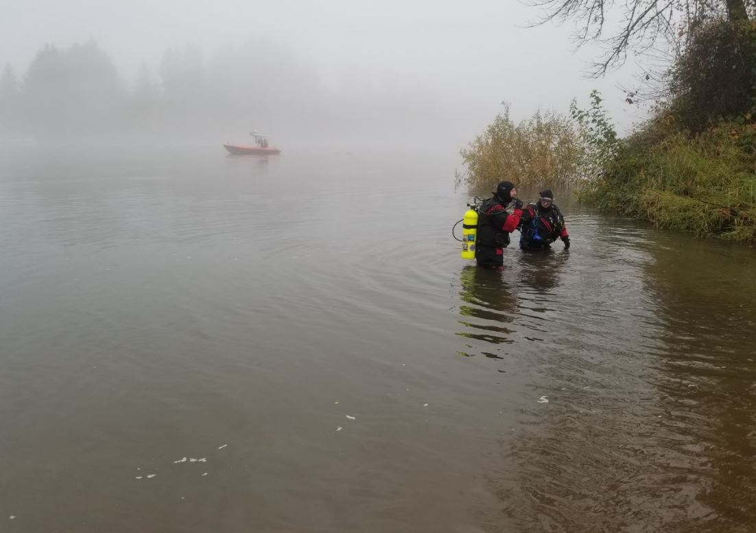 Authorities in Linn County say a body was found in vehicle submerged in the Santiam River, Nov. 22, 2017. (Linn County Sheriff's Office photo)