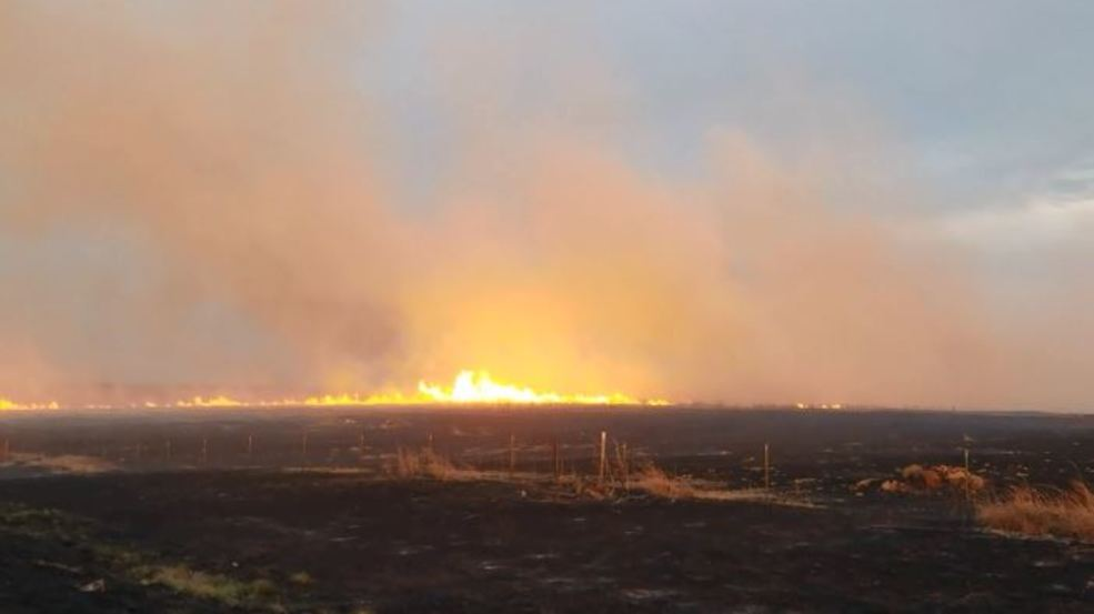Inside the Storm: Large grass fire closed down highway in Osage County