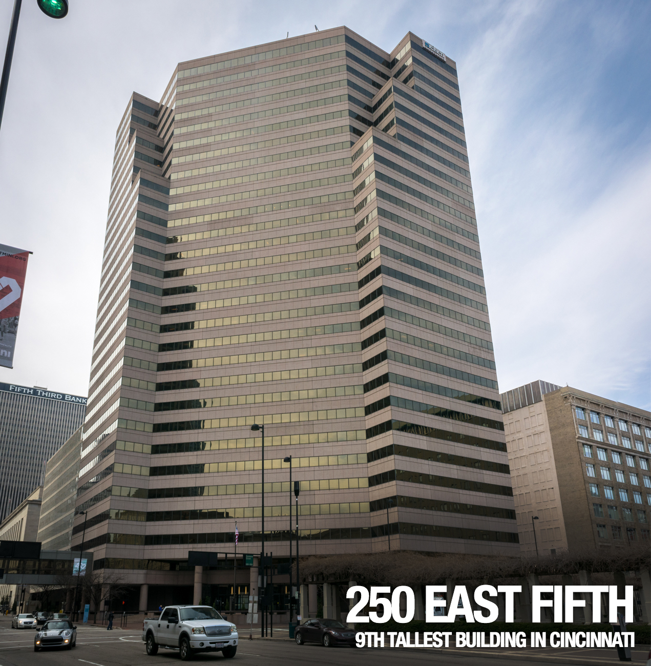 250 East Fifth: 368 feet tall, 29 floors, built in 1984 / Image: Phil Armstrong, Cincinnati Refined // Published: 2.21.17
