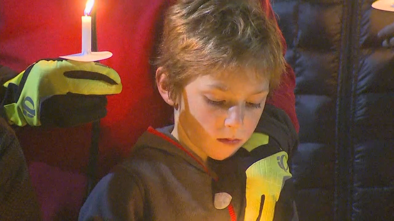 Dozens of Boy Scouts and Cub Scouts brought the community together in DuPont on Wednesday night to honor the victims of Monday's deadly Amtrak train derailment. (KOMO News)
