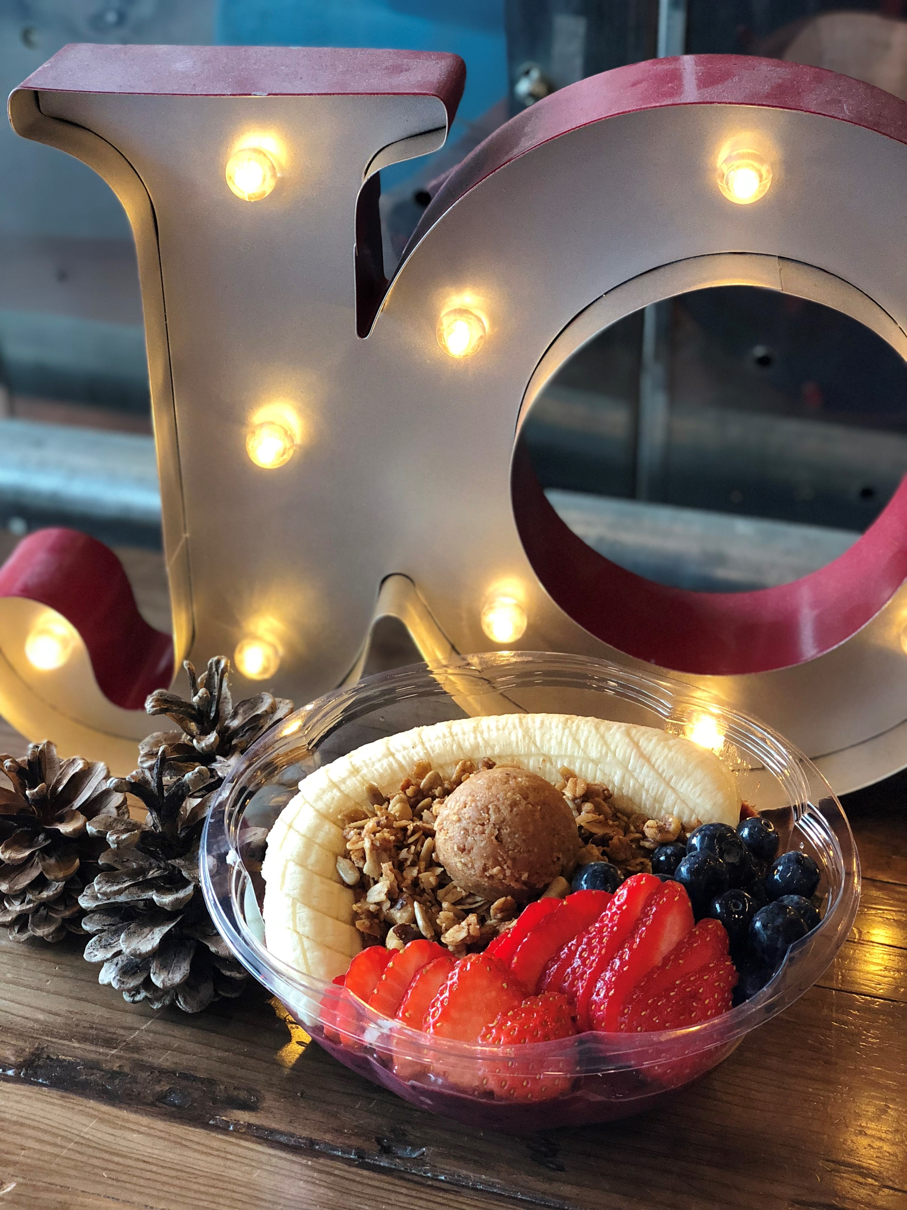 Their featured bowl is the Mixed Berry Acaí Bowl with Nut Butter, which is a blend of strawberries, blueberries, banana, and acaí. (Credit: Skylar Lin)<p></p><p></p>
