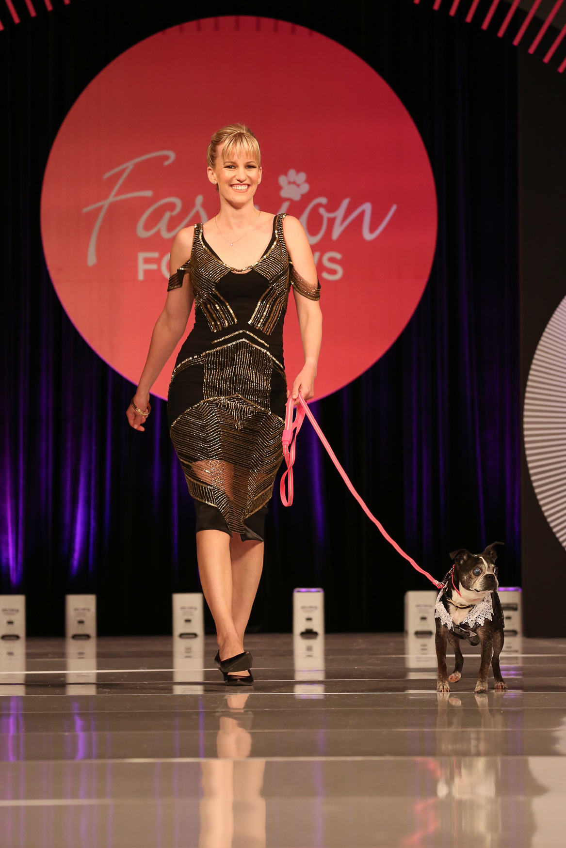 Spotted at Fashion for Paws: These 1920 vibes are still modern and cool. (Amanda Andrade-Rhoades/DC Refined)