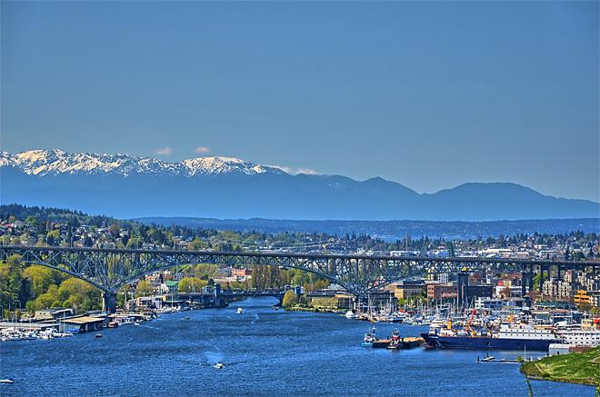 Lake Union & Aurora Bridge (Photo courtesy YouNews contributor: HRRickard)