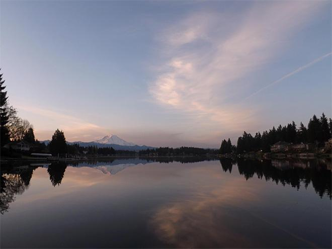 Sunrise over Bonney Lake (Photo: Kathleen Carpenter)