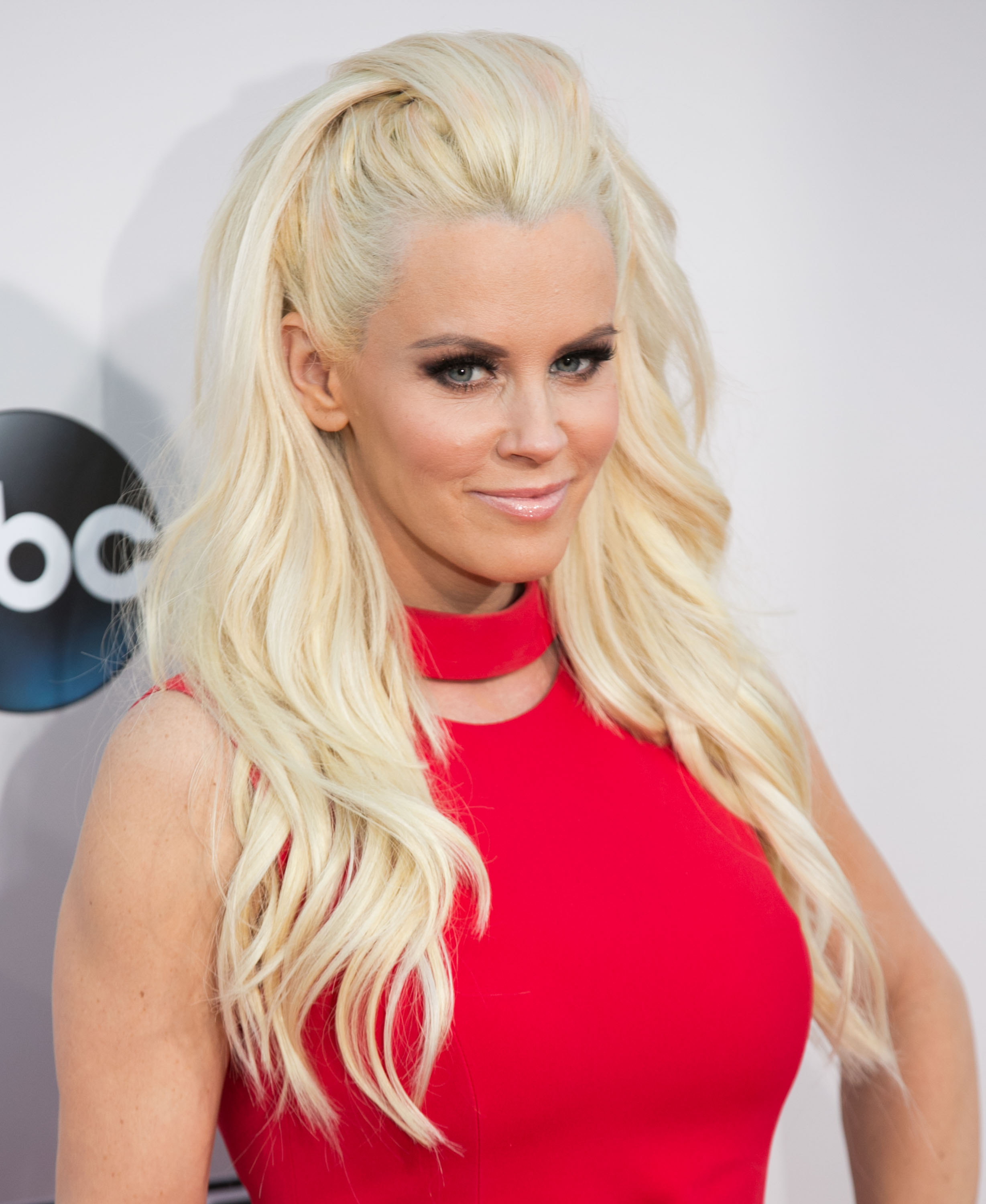 Jenny McCarthy at the 2015 American Music Awards at Microsoft Theater in Los Angeles, California on Nov. 22, 2015. (Brian To/WENN.com)