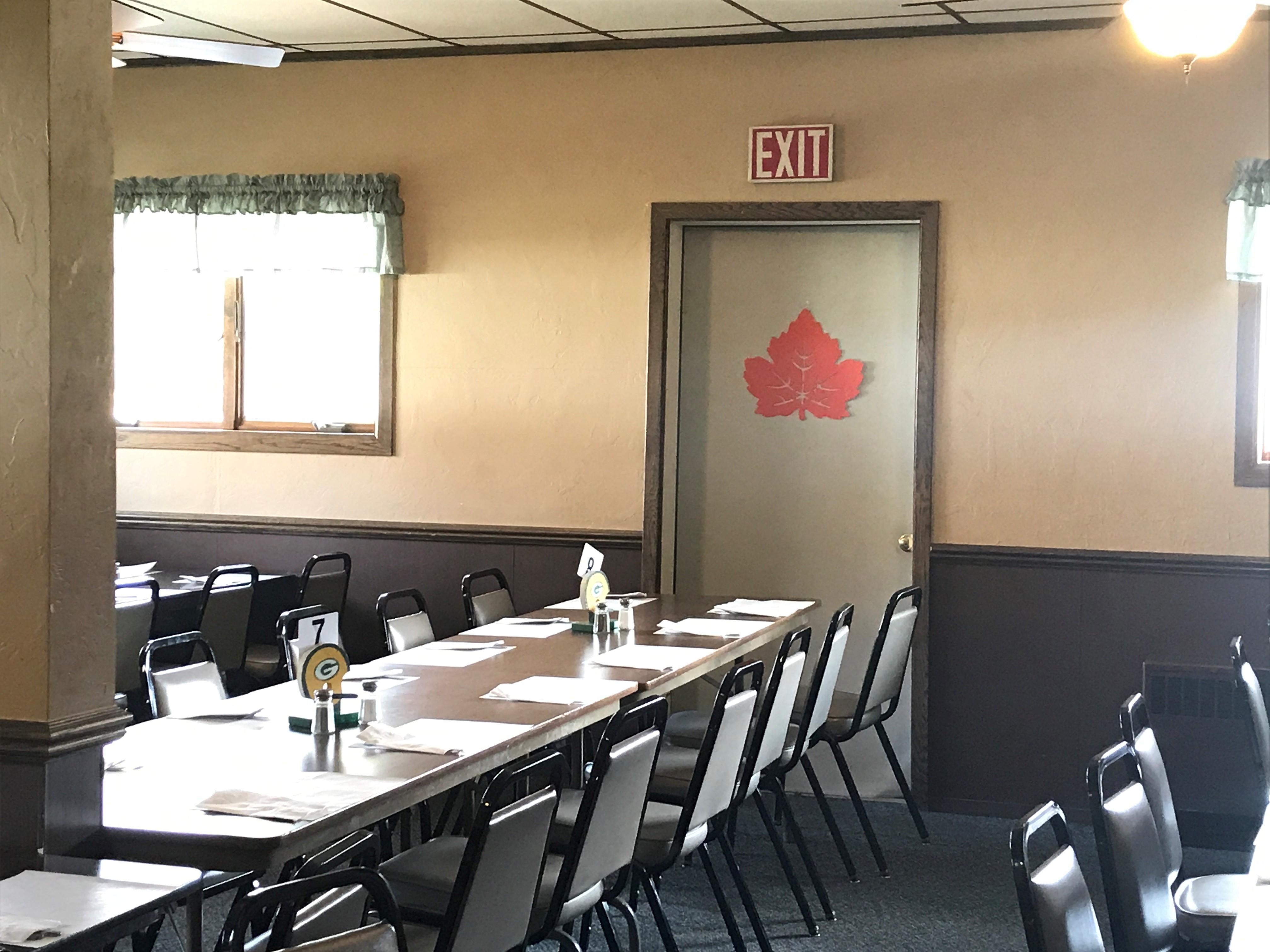 Hit and run damages Kewaunee Co restaurant