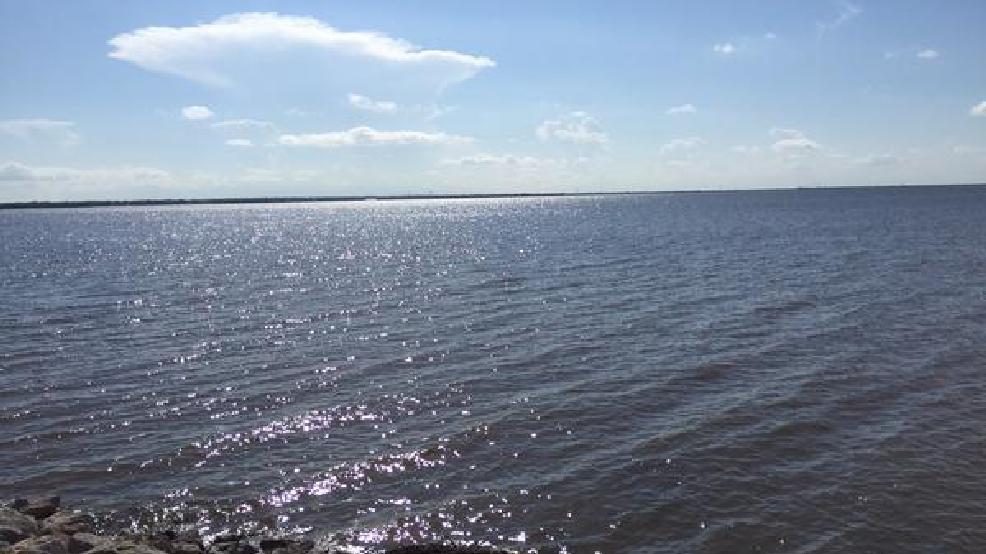 City of okc zebra mussels invading lake hefner boaters for Lake hefner fishing
