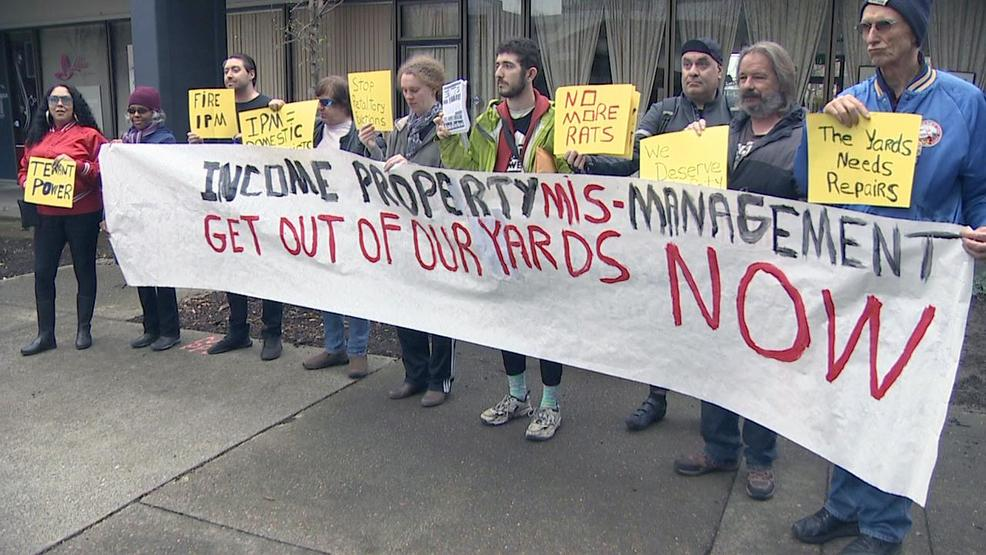 Tenants in NW Portland protest property management, saying living conditions are poor