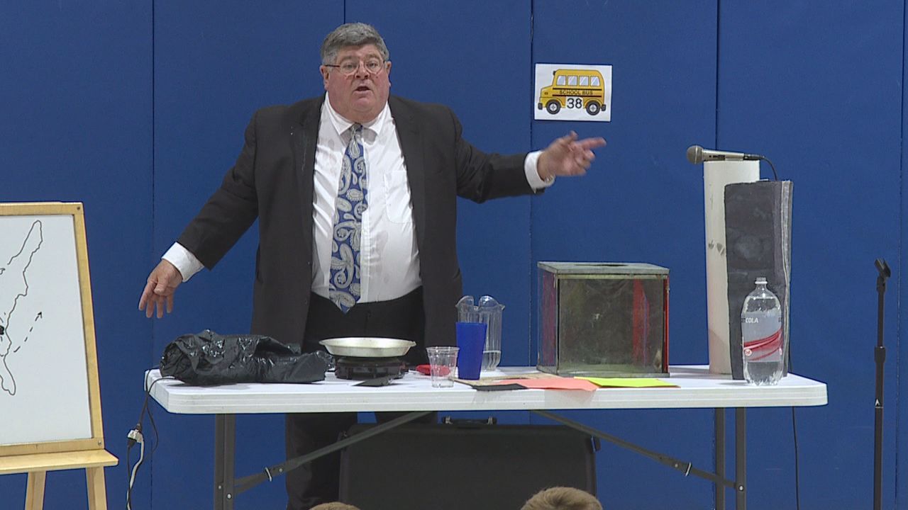 Meteorologist Jym Ganahl visited Marysville's Mill Valley Elementary on Friday. (WSYX/WTTE)