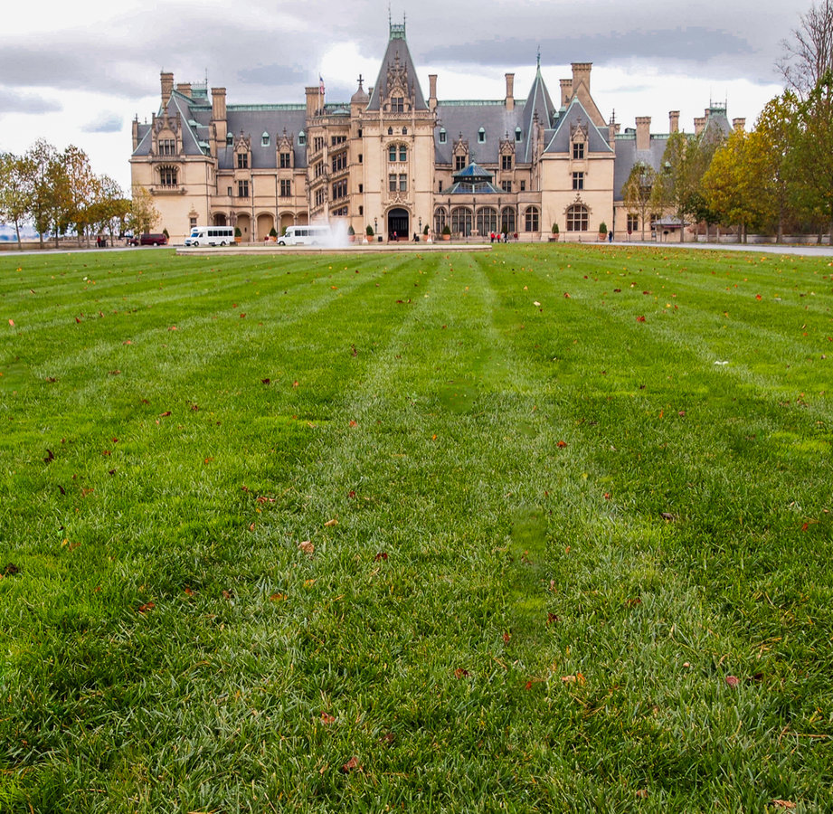 "Story: ""On the Road: Asheville, NC"" / Location: Biltmore Estate / Image: Sherry Lachelle Photography"