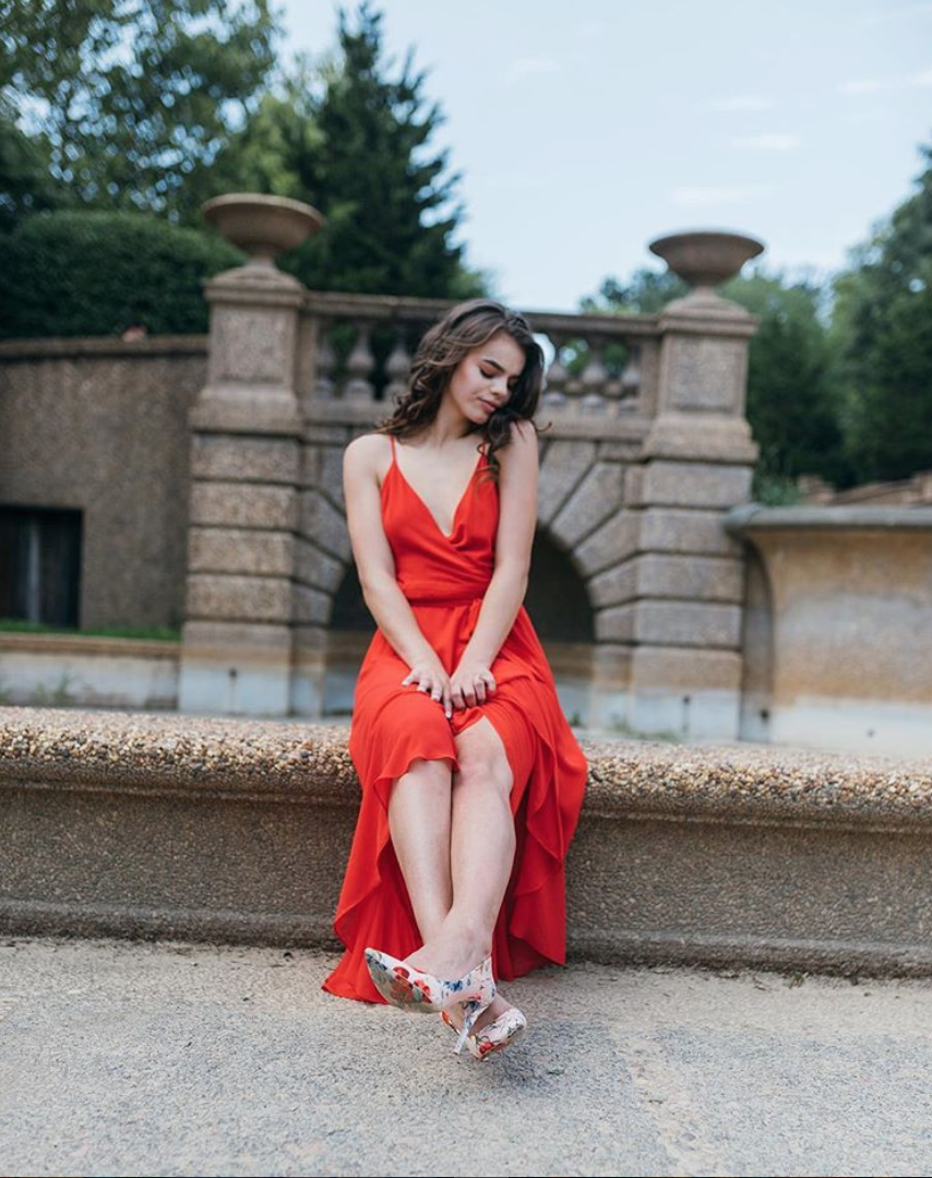 Meridian Hill Park is a great spot for pretty portraits. (Image via @dual.vizion.photos)