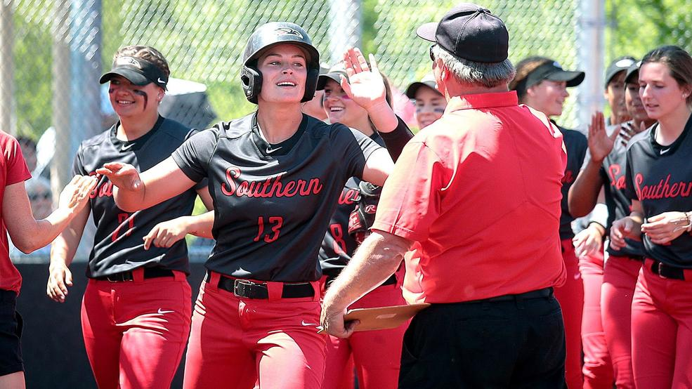 1003932949 SOU Softball1.jpg