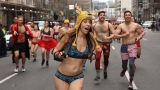 Gallery: Thousands across US strip down and sprint for Cupid's Undie Run