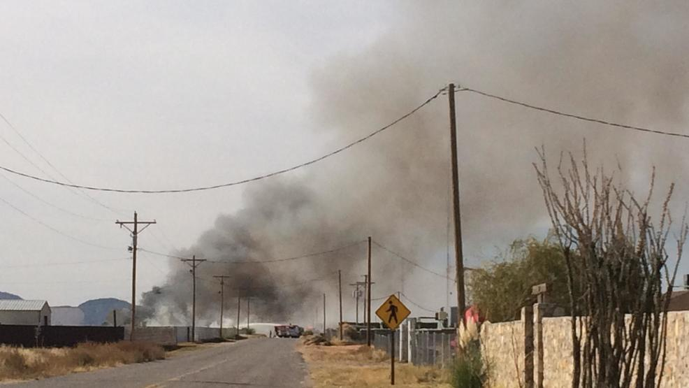 Update fire on texas new mexico border kfox for Gutierrez motors el paso texas