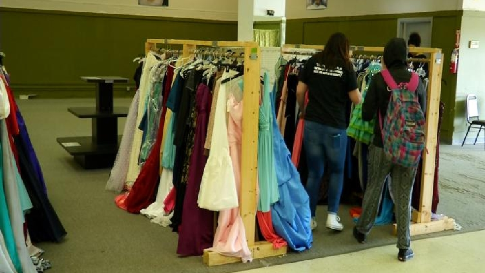 Fairytales Come True Students Shop For Free Prom Dresses Wlos