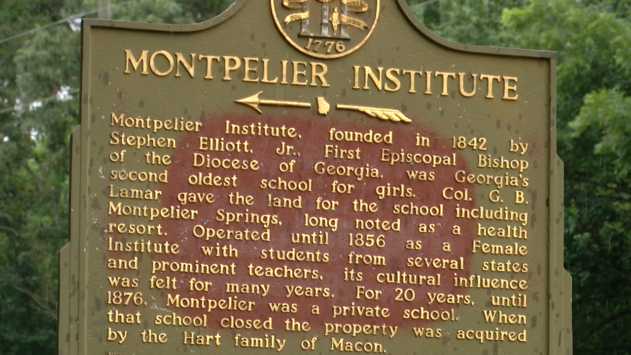 Plaque commemorating Montpelier School