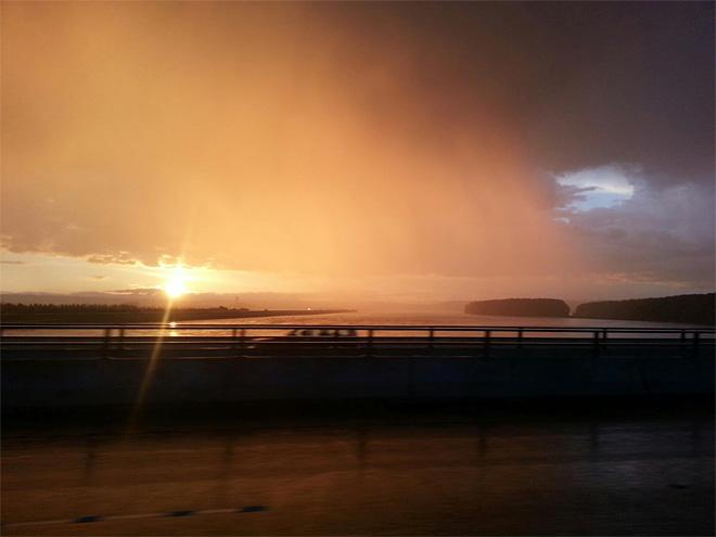 Gorgeous sunset mixed with the rain heading over the Glenn Jackson Bridge - at I-205 Bridge. (Photo: Troy Glidden)