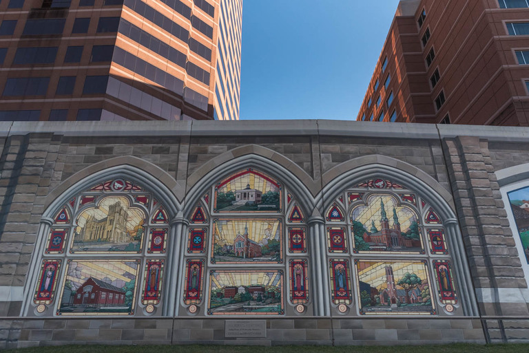 MURAL: The Roebling Murals / ARTIST: Robert Dafford and Legacy / LOCATION: The flood wall in front of RiverCenter in Covington / Image: Mike Menke // Published: 3.22.18