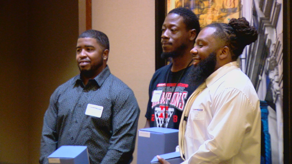 Men who pulled attacker off pregnant woman honored | WKRC