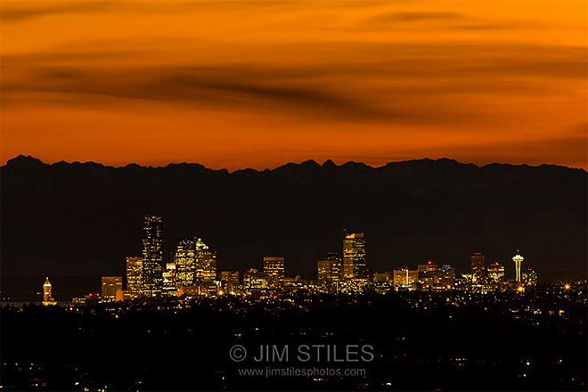 Good Night, Seattle! From Bellevue, Washington (Photo: Jim Stiles)