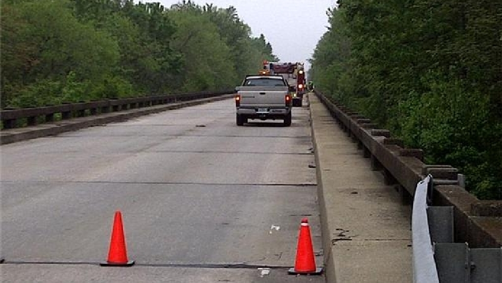 Semi Goes Off Yauhannah Bridge On Hwy WPDE - Accident on us 701 conway sc map
