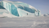 Circulating email about ice waves near Mackinaw City not really true