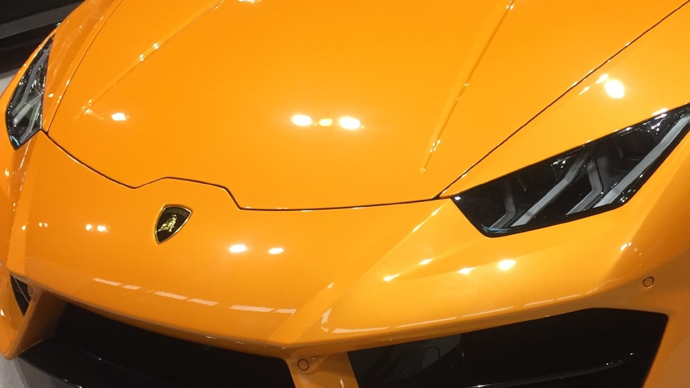 Lamborghini Huracan Coupe front end.jpeg