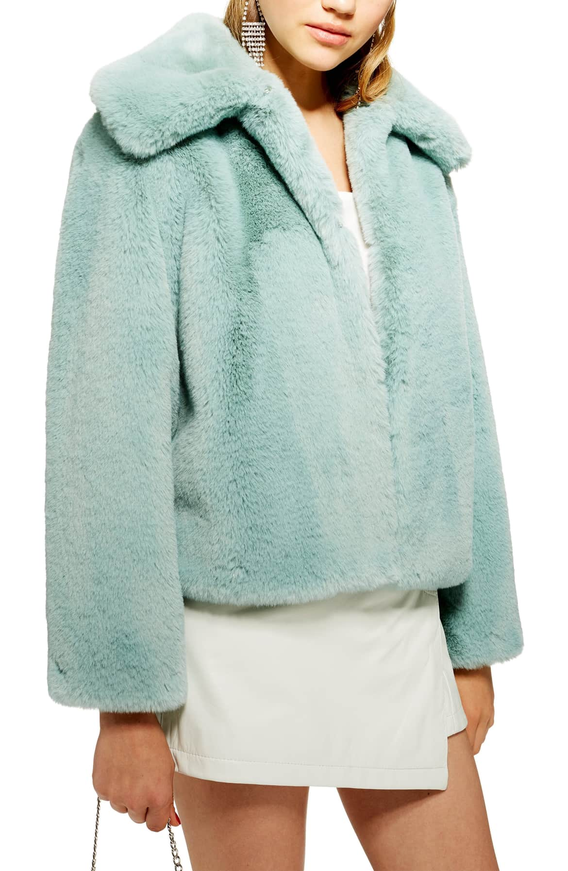 <p>An oversized collar and slightly cropped hem add to the vintage allure of this decidedly luxe faux fur topper. $130. (Image: Nordstrom){&nbsp;}</p><p></p>