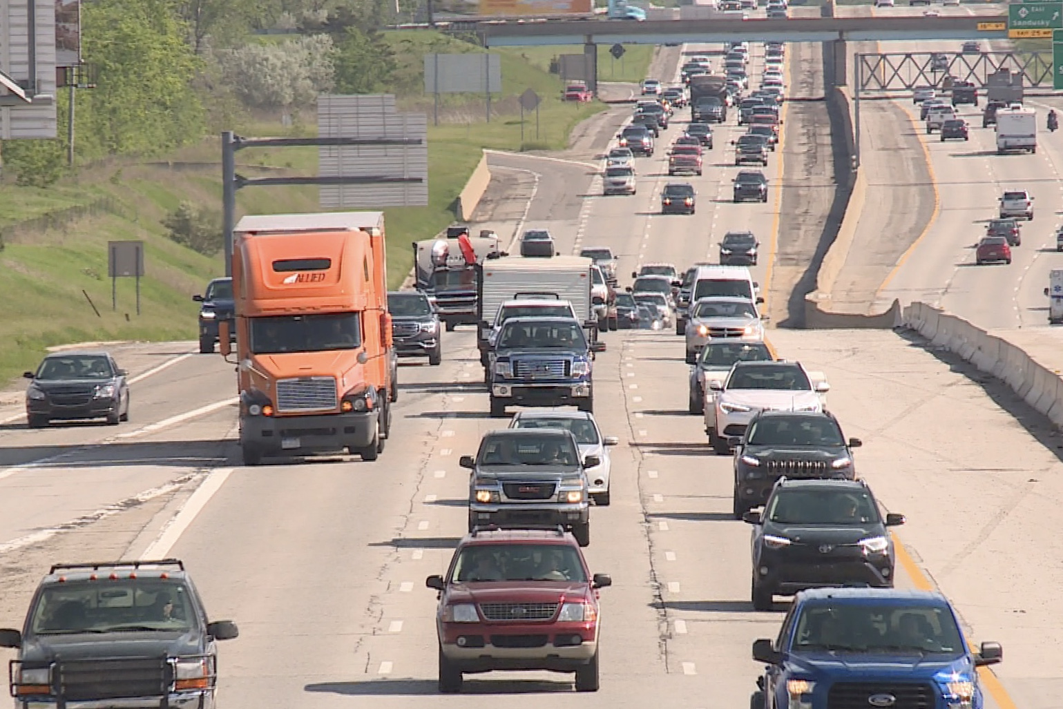 Memorial Day traffic ties up area roads
