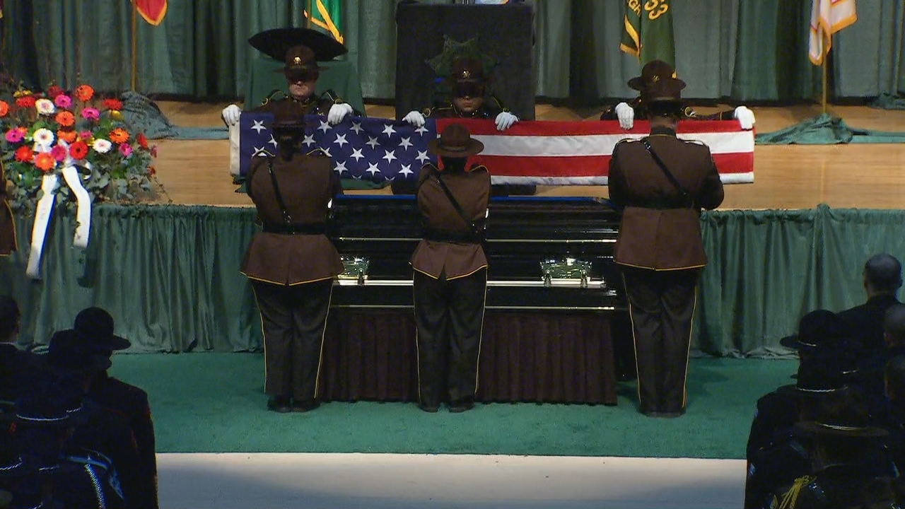 A funeral and memorial service honor the sacrifice made by the fallen Pierce Co. deputy. (Photo: KOMO News)