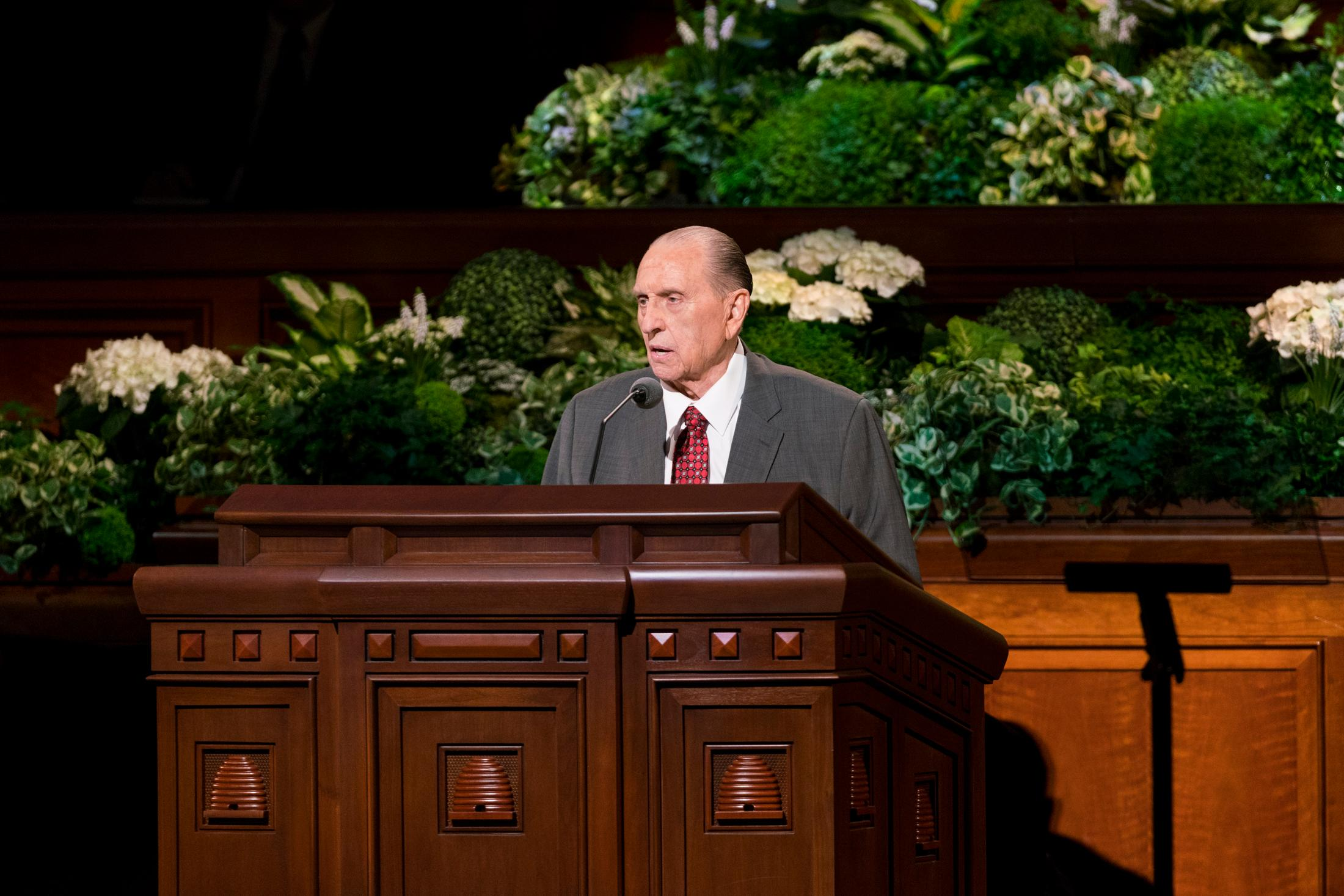 President Monson speaks at the April 2017 general conference. (Photo: MormonNewsroom.org)<p></p>