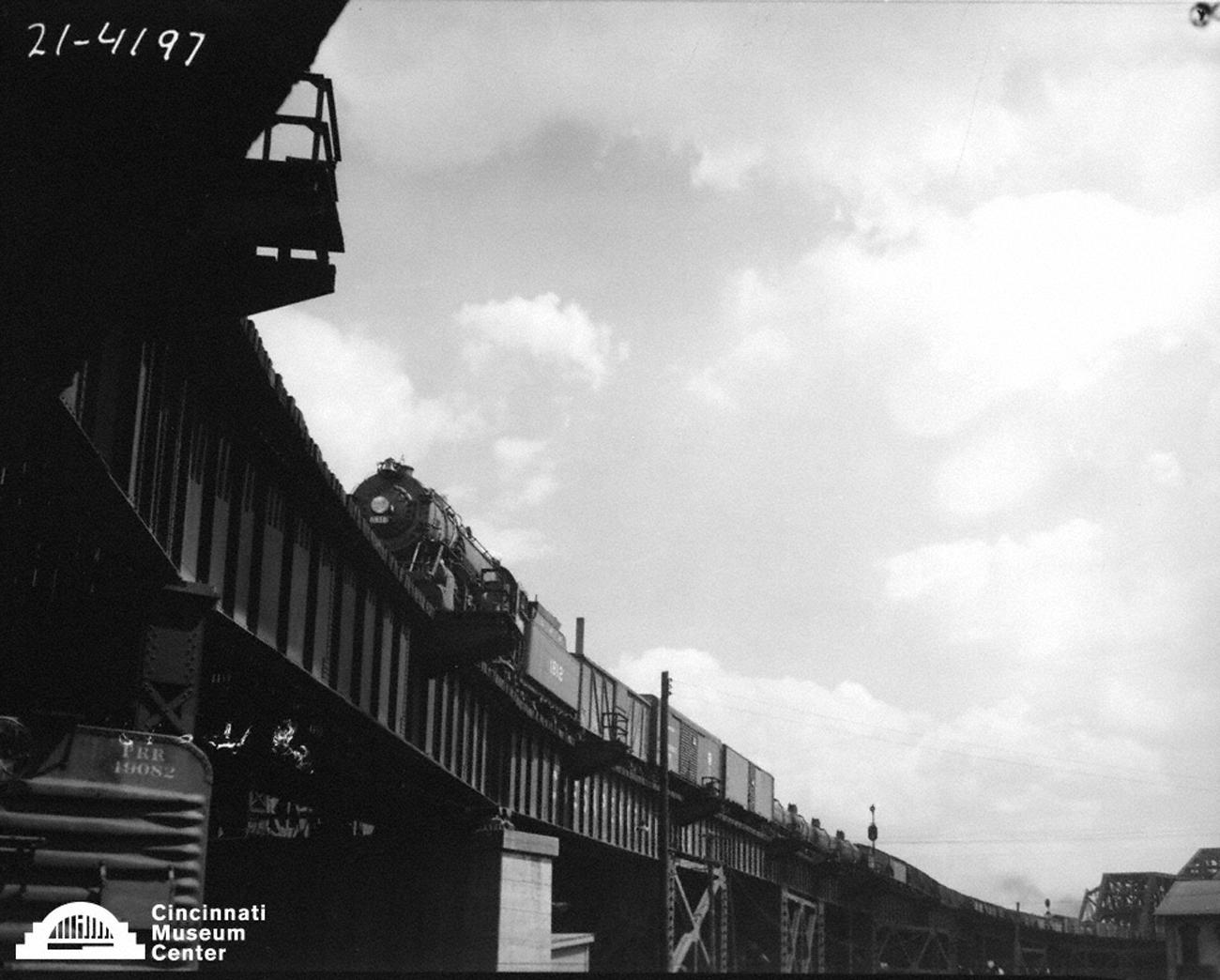 The C&O Railroad Viaduct in the early 20th Century / Image: Paul Briol, accessed via the Cincinnati Museum Center History Library and Archives // Published: 2.16.19