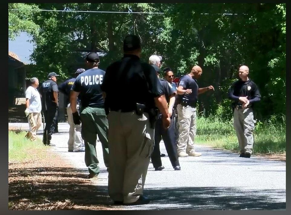 More than 125 officers continued to search for eight-year-old Iyana Lowery on Monday. (Tonya Brown/WPDE)