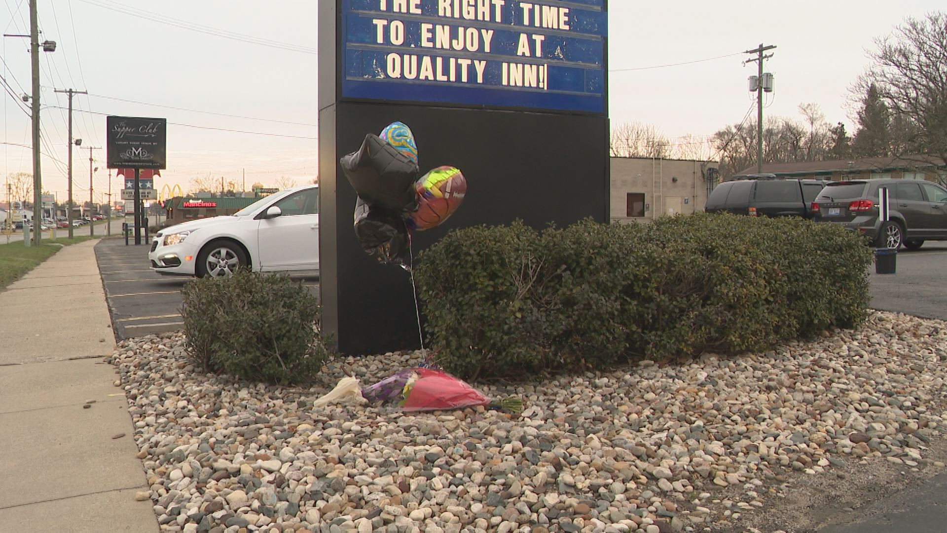 A memorial has been set up at a Niles hotel for a carbon monoxide poisoning victim. // WSBT 22 photo