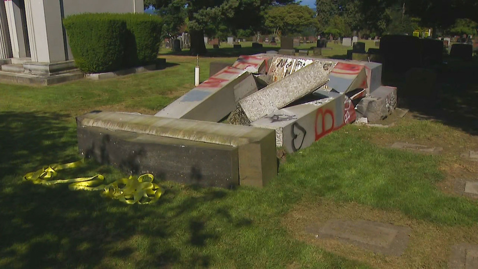 Huge Confederate monument toppled at Seattle's Lake View Cemetery