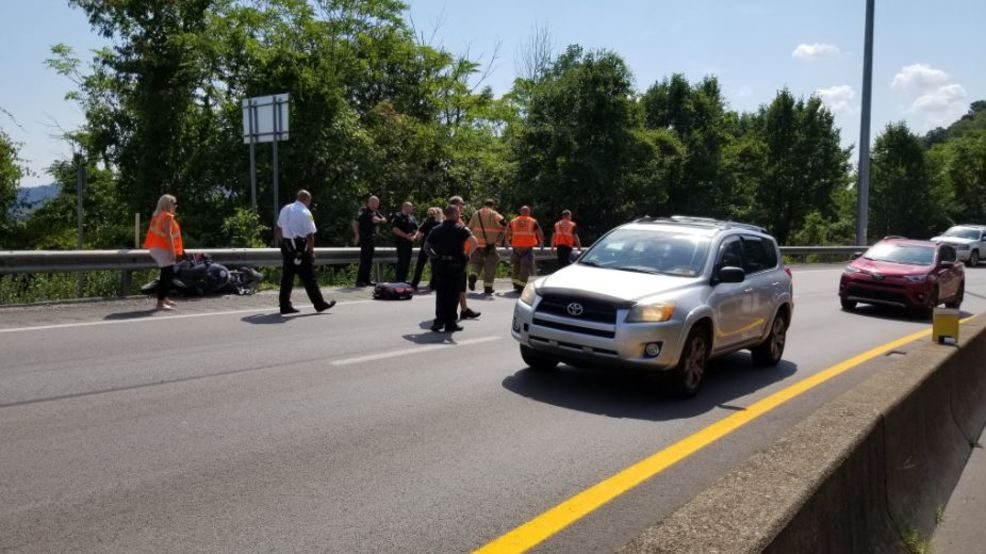 Motorcycle rider injured after crash at Oakwood Road ramp to I-64 | WCHS