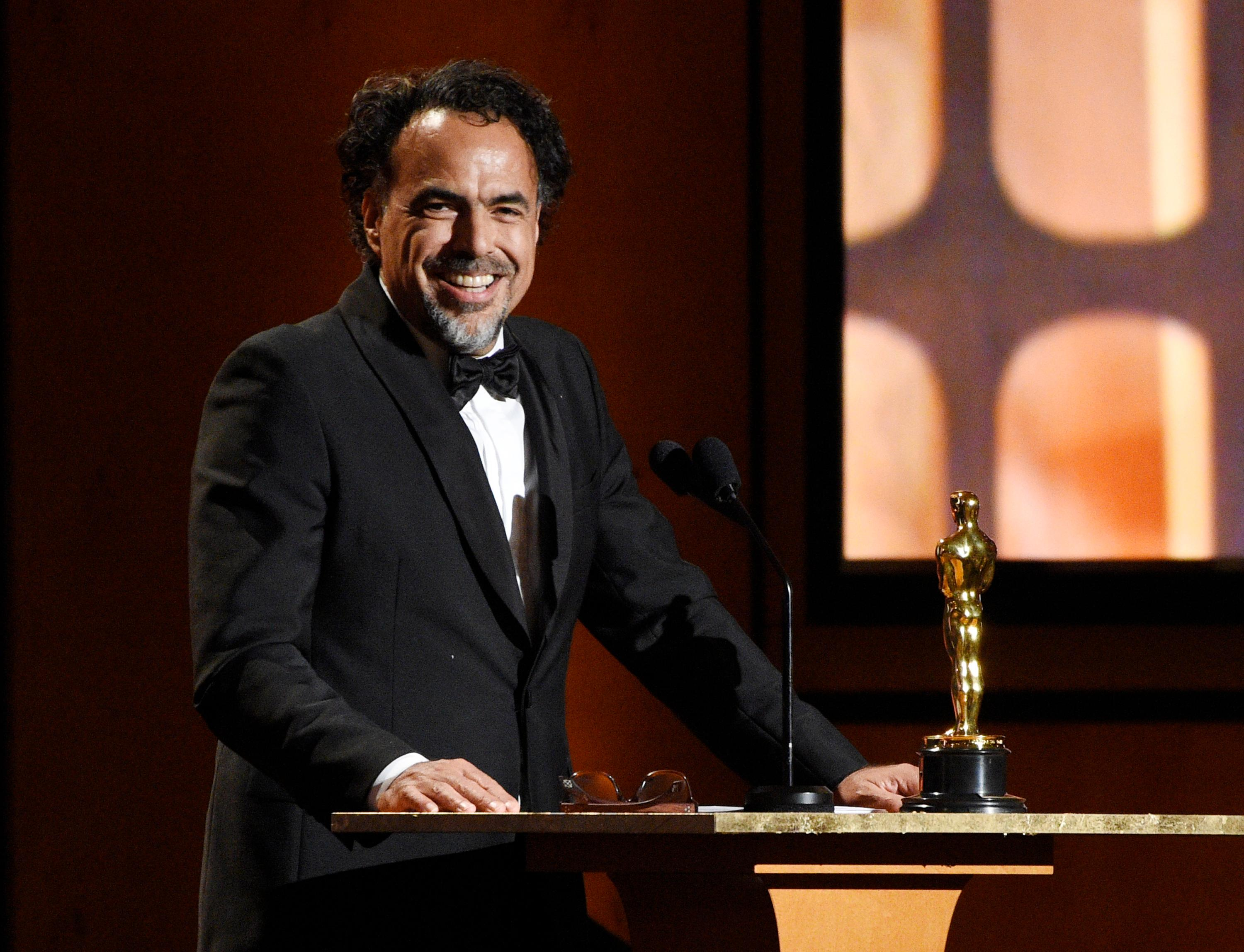 "Mexican director Alejandro Gonzalez Inarritu accepts a Special Award Oscar for his virtual reality installation ""Carne y Arena (Virtually present, Physically invisible)"" at the 2017 Governors Awards at The Ray Dolby Ballroom on Saturday, Nov. 11, 2017, in Los Angeles. (Photo by Chris Pizzello/Invision/AP)"