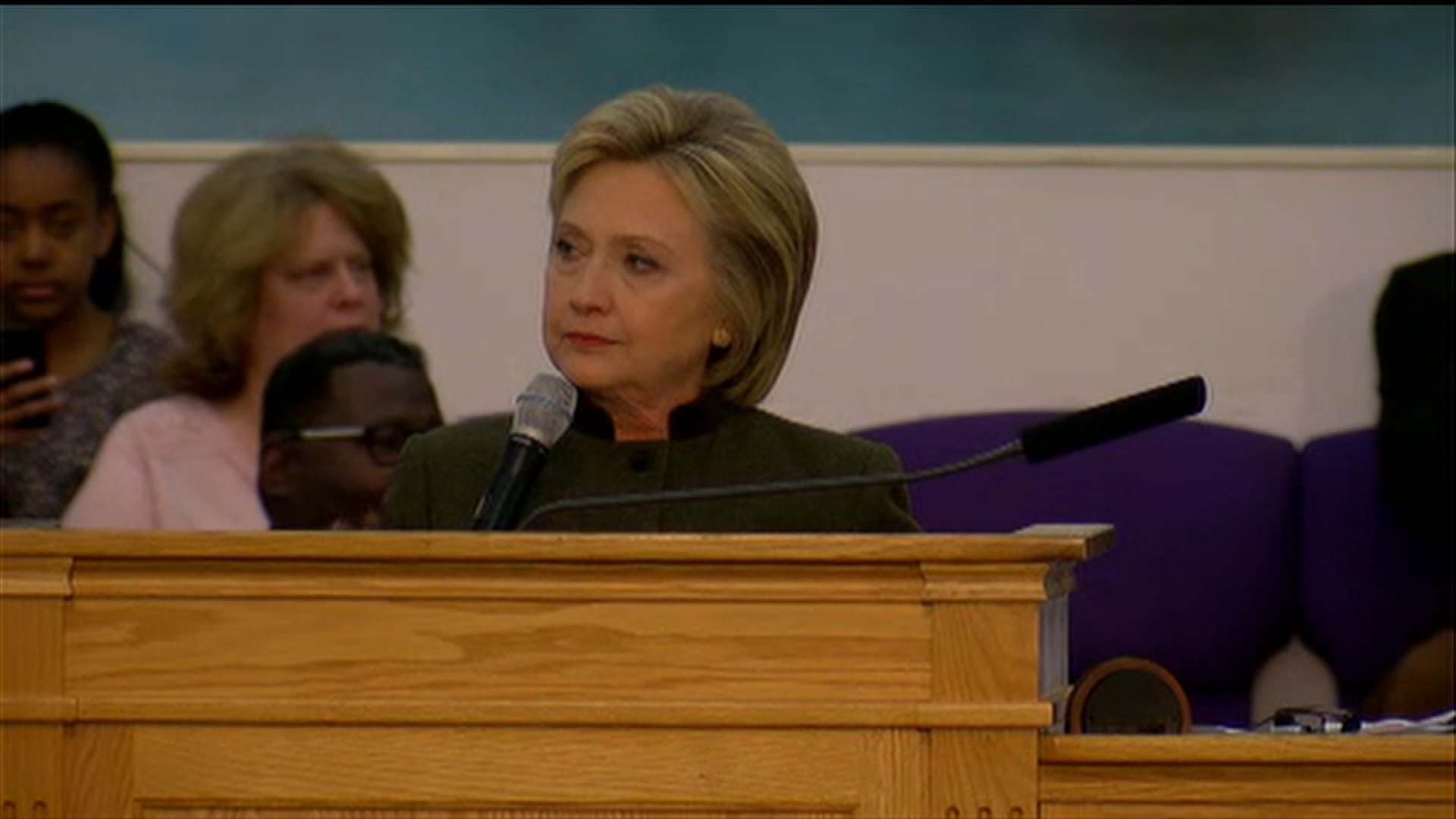 Hillary Clinton Visits Flint Sunday Addresses Crowd About The Water Crisis on Democratic Presidential Candidate Hillary Clinton At The Cfe Federal