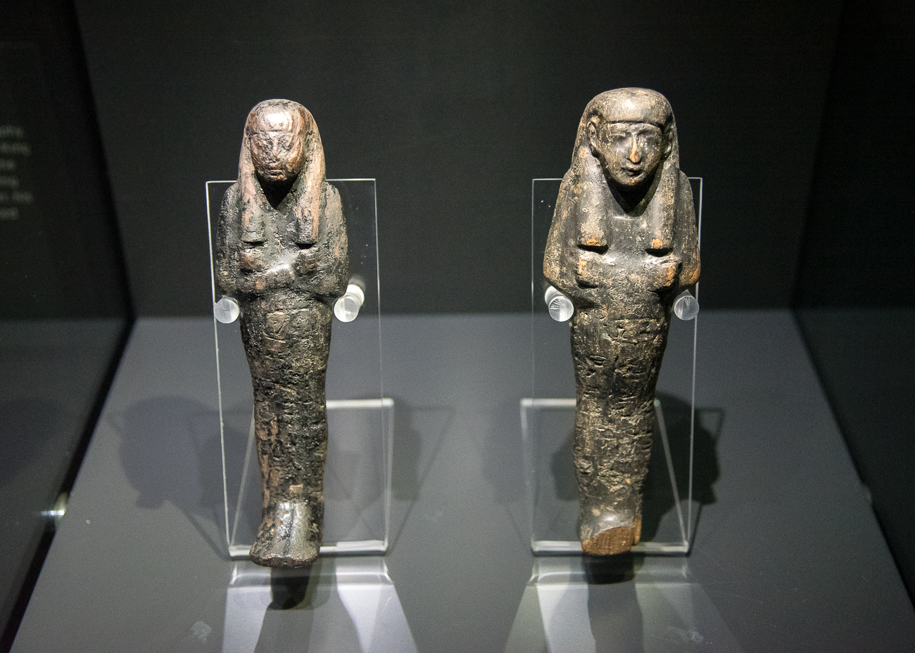 Two wooden funerary figures from 1290 to 1279 BC / Image: Phil Armstrong, Cincinnati Refined // Published: 2.15.19