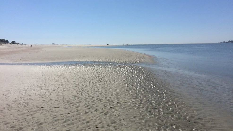 Dnr man drowns after crashing flyboard on tybee island wgxa for Tybee island fishing report