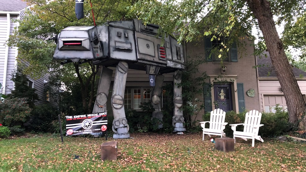Halloween Yard.Life Size Star Wars Display Takes Over Yard For Halloween Wsyx