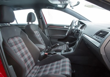How the Volkswagen GTI got those plaid seats and golf-ball shifter