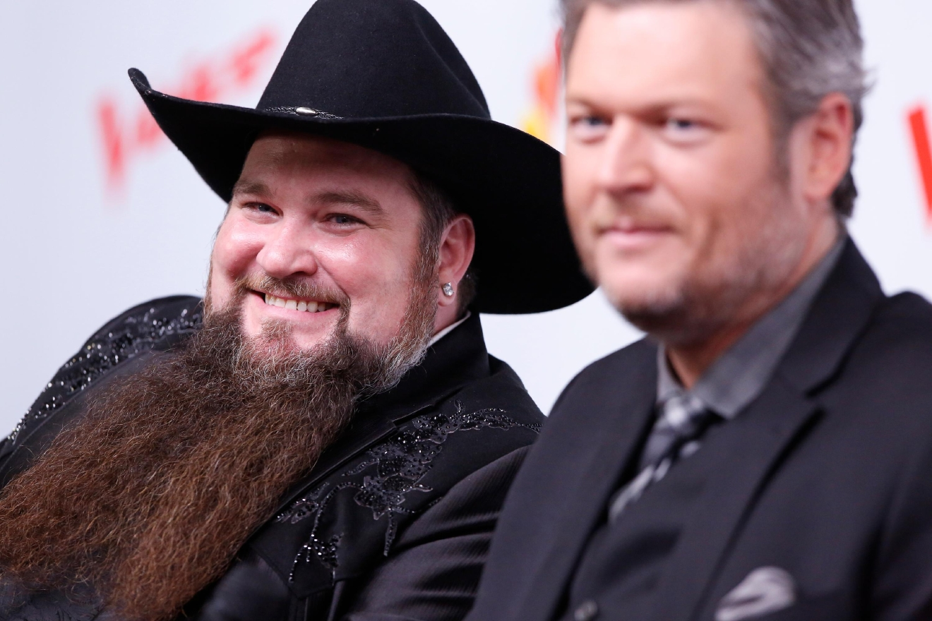Sundance Head and coach Blake Shelton. (Photo by: Trae Patton/NBC)