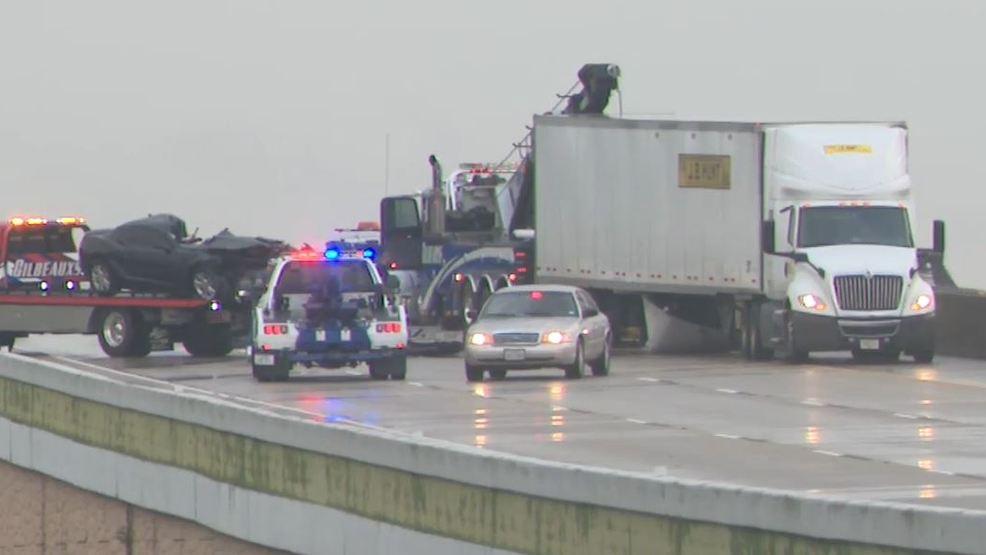 Update: Driver killed in crash involving 18-wheeler on I-10