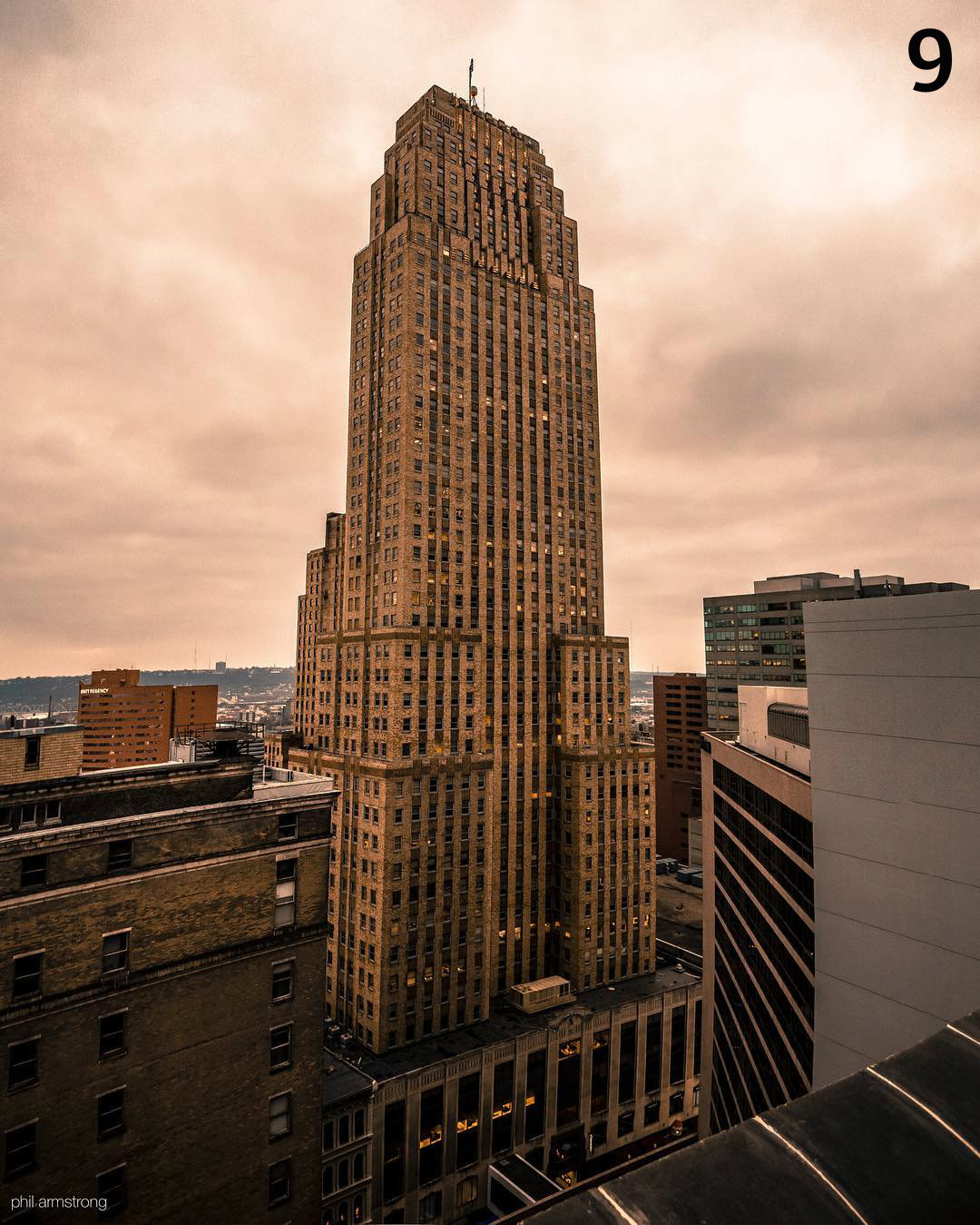 #9 - Built in 1931 and standing at 534 feet and 49 floors, the Carew Tower is the second tallest building in Cincinnati. / Image: Phil Armstrong