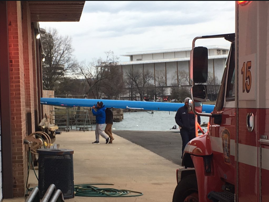 14 rescued from Potomac River after HS rowing team's skiff, 'chase boat' overturn  (Tom Roussey/ABC7)