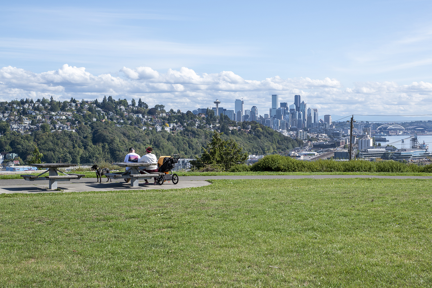 Looking for a little less crowded Seattle park to enjoy a social distanced mid-day break? On a sunny day, Ella Bailey Park is the perfect spot for sweeping downtown views with only a handful of others. The hilly park features plenty of open space for a picnic, a large community playground, picnic tables and stunning views of Mt. Rainier. (Image: Rachael Jones / Seattle Refined)