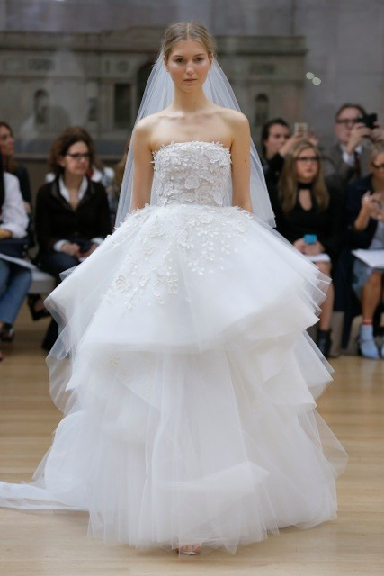 TREND #1: XL Ball Gowns (Oscar de la Renta)